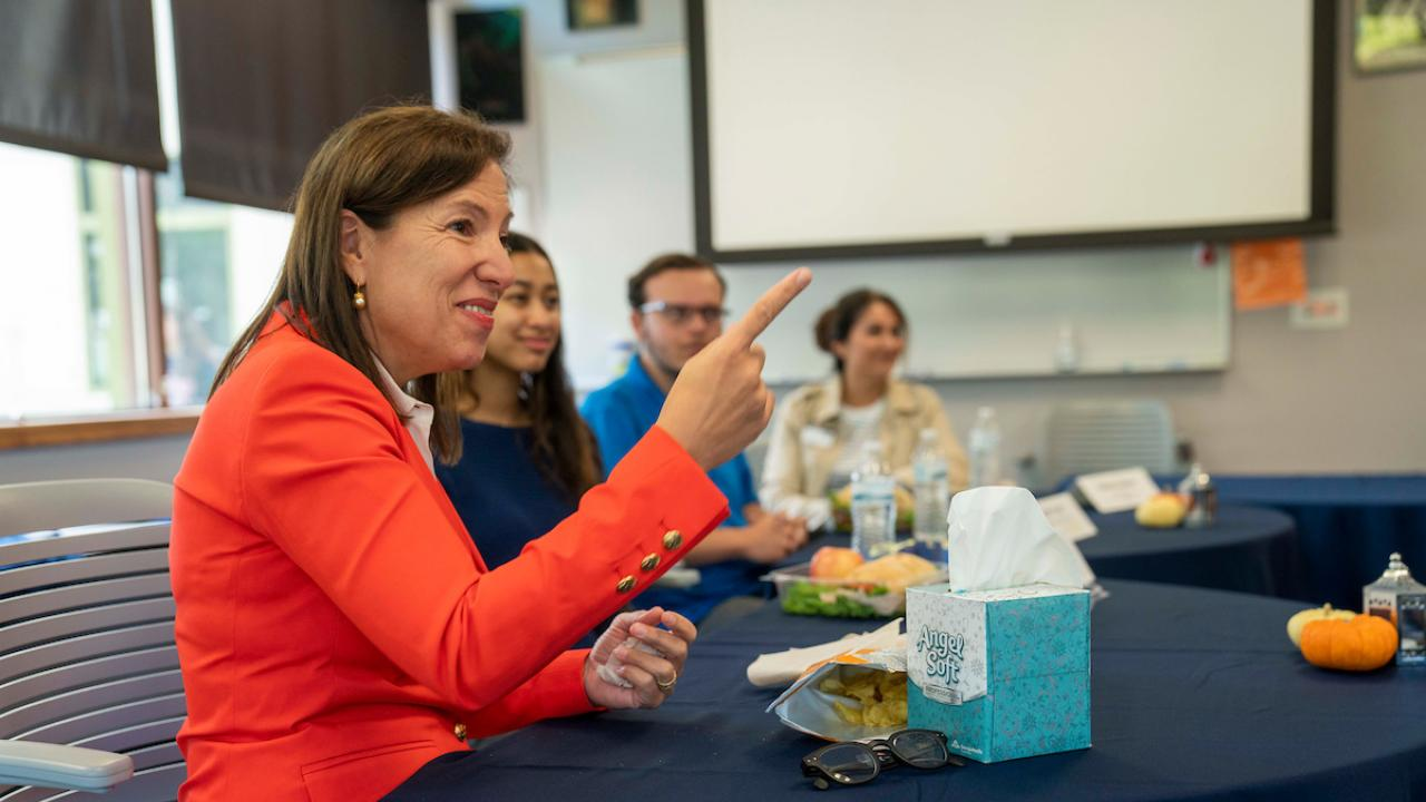 Lt. Governor Kounalakis meets with UC Davis students image